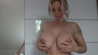 sweetpinkpussy - Perfekte Start in den Tag Blowjob mit Tittenfick